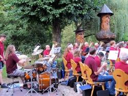 Harmonie spielt im Löwen Biergarten_7